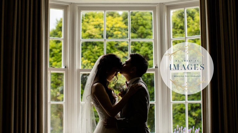 Auckland Wedding Couple Kissing